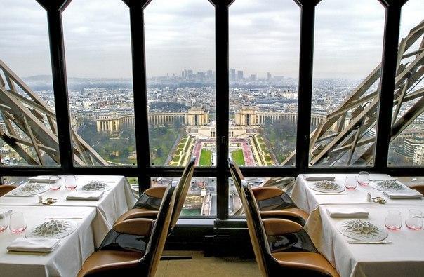 Ресторан Жюль Верн на Эйфелевой башне, Париж