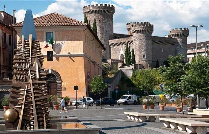 Замок папы Пия II. Окрестности Рима