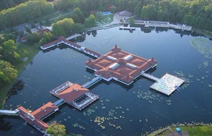 Курорты Венгрии с термальными источниками, озеро Хевиз